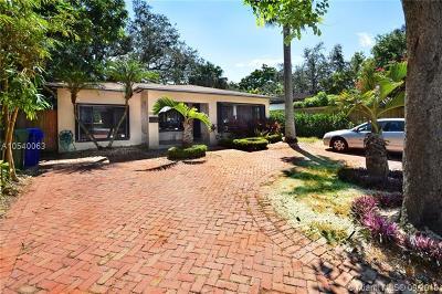 Miami Single Family Home For Sale: 3825 S Le Jeune Rd