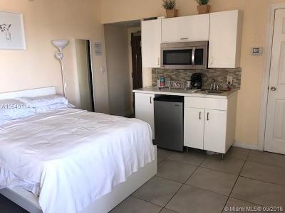 Miami Beach Condo For Sale: 1801 Collins Ave #804