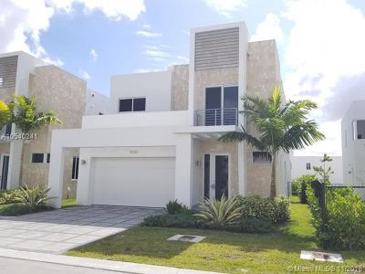 Miami Single Family Home For Sale: 10330 NW 68th St