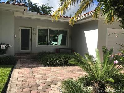 Coral Gables Single Family Home For Sale: 400 Garlenda Ave