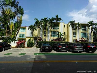 Bay Harbor Islands Condo For Sale: 9971 W Bay Harbor Dr #205