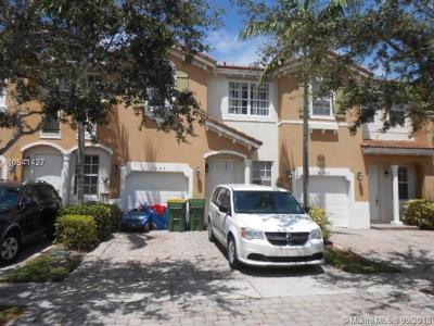Homestead Condo For Sale: 1054 NE 30th Ave #1054