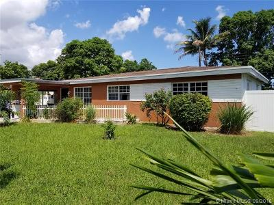 Broward County Single Family Home For Sale: 1140 Atkinson Ave