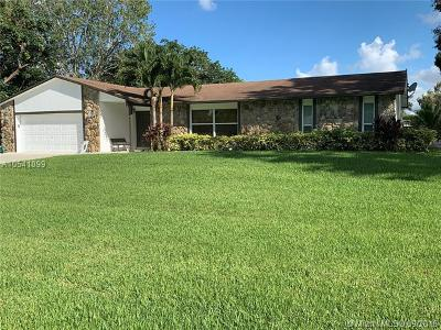 Davie Single Family Home For Sale: 10831 SW 29th Pl