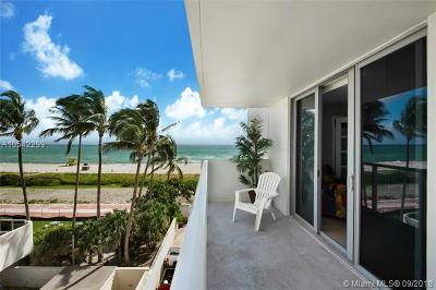 Miami Beach Condo For Sale: 5701 Collins Ave #421