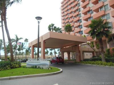Miami Beach Condo For Sale: 2899 Collins Ave #645
