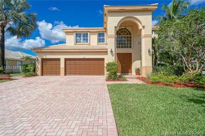 Pembroke Pines Single Family Home For Sale: 988 NW 167th Ave