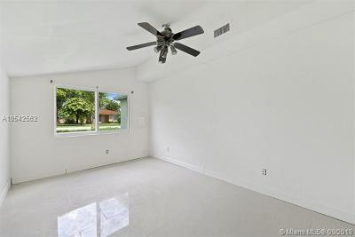 Miami Single Family Home For Sale: 7930 Grand Canal Dr