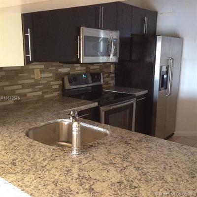 Broward County Condo For Sale: 3000 NW 42nd Ave #B505