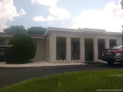Miami FL Single Family Home For Sale: $351,000