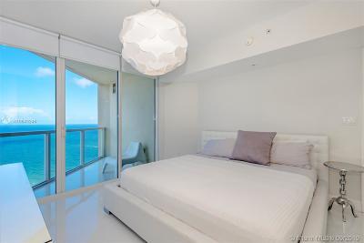 Sunny Isles Beach Condo For Sale: 16699 Collins Ave #3505
