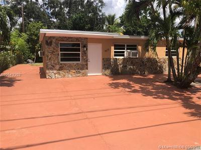 Miami FL Single Family Home For Sale: $210,000