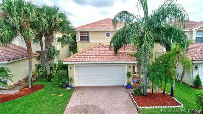 Green Acres Single Family Home For Sale: 5014 Starblaze Dr