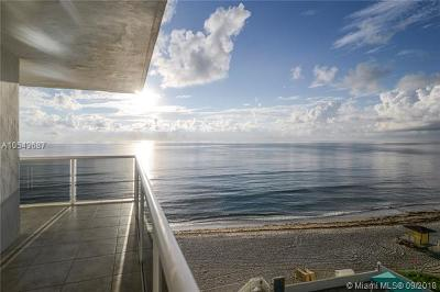 Hollywood Condo For Sale: 3725 S Ocean Dr #702