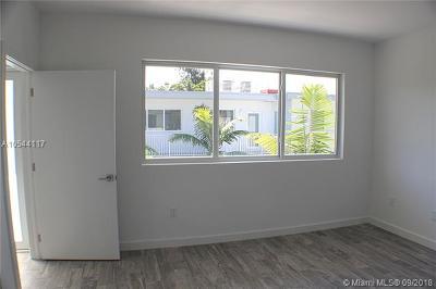 Miami Beach Condo For Sale: 315 S Shore Dr #5