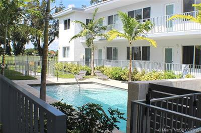 Miami Beach Condo For Sale: 315 S Shore Dr #1