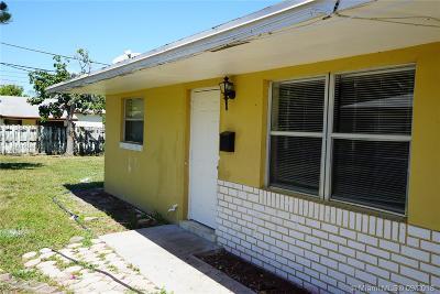 Pompano Beach Multi Family Home For Sale: 451 NE 30th St