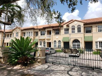 Coral Gables Condo For Sale: 467 Coral Way #A-4