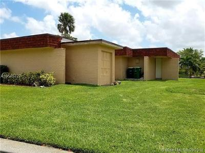 Tamarac Single Family Home For Sale: 5203 Avocado Dr
