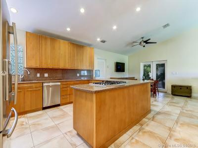 Miami Single Family Home For Sale: 18600 SW 152nd Ave