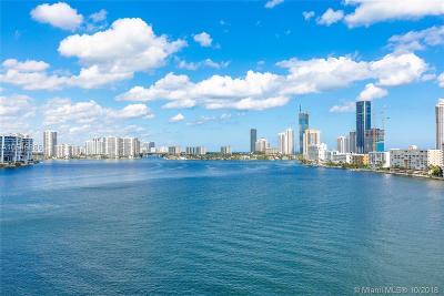 Sunny Isles Beach Condo For Sale: 301 174th St #1114