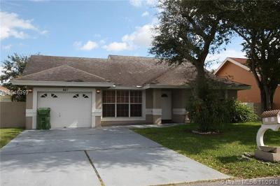 Pembroke Pines Single Family Home For Sale: 621 NW 207th Ave