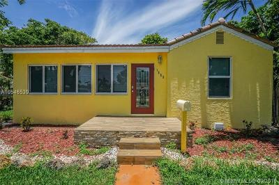 Hollywood Single Family Home For Sale: 1653 Plunkett St