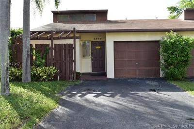 Pembroke Pines Single Family Home For Sale: 9945 SW 16th St