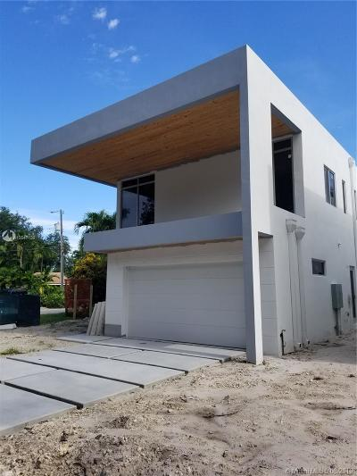 Miami Single Family Home For Sale: 5887 SW 25th St