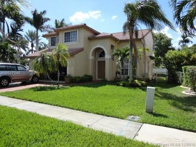 Pembroke Pines Single Family Home For Sale: 18310 NW 10th St