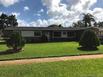 Plantation Single Family Home For Sale: 4778 NW 5th Ct