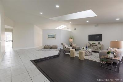 Coral Springs Single Family Home For Sale: 8960 NW 45th Ct