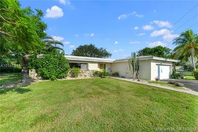 Palmetto Bay Single Family Home For Sale: 8901 SW 155 St