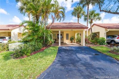Weston Single Family Home For Sale: 16213 Laurel Dr