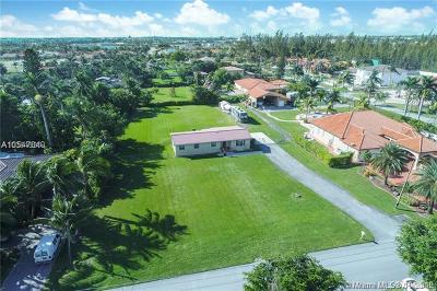Hialeah Gardens Single Family Home For Sale: 13500 NW 102nd Ave
