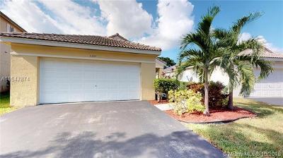 Weston Single Family Home For Sale: 4357 Pine Ridge Ct
