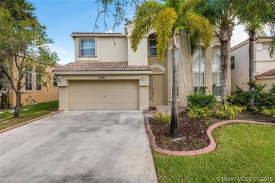 Miramar Single Family Home For Sale: 15831 SW 49th Ct