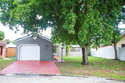Miramar Single Family Home For Sale: 8841 SW 21st St