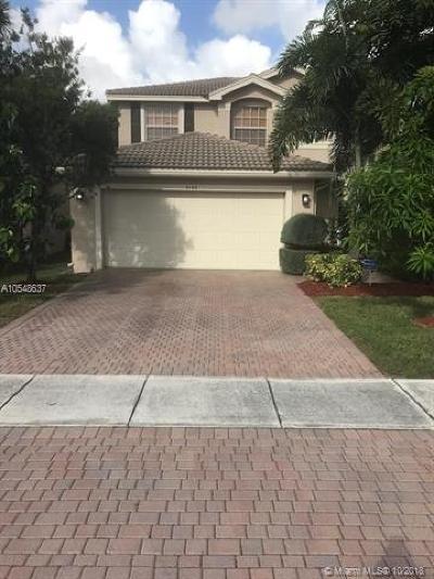 Green Acres Single Family Home For Sale: 5166 Aurora Lake Cir
