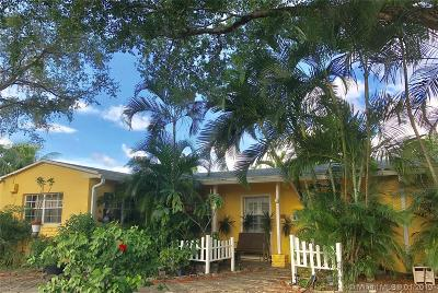 North Miami Single Family Home For Sale: 2005 S Hibiscus Dr