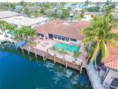 Hollywood Single Family Home For Sale: 810 Washington St
