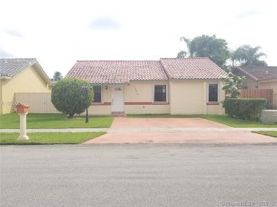 Miami Single Family Home For Sale: 13210 SW 38 Terrace