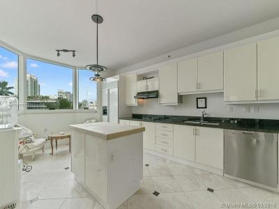 Miami Beach Condo For Sale: 300 S Pointe Dr #606