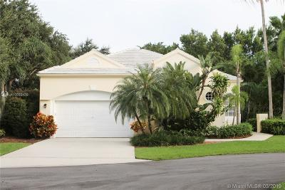 Weston Single Family Home For Sale: 2195 Bay Ct