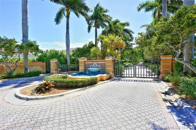 Palmetto Bay Condo For Sale: 13917 SW 86th Ct #