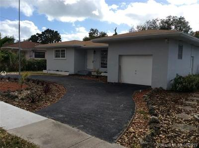 North Miami Single Family Home For Sale: 1060 NE 166th St