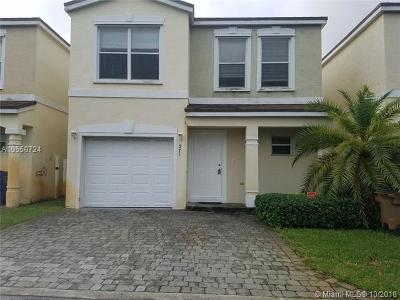 Deerfield Beach Single Family Home Active With Contract: 971 SW 15th St