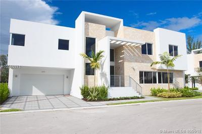 Doral Single Family Home For Sale: 6859 NW 103rd Ave