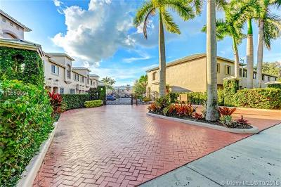 Palmetto Bay Condo For Sale: 15750 SW 92nd Ave #30C