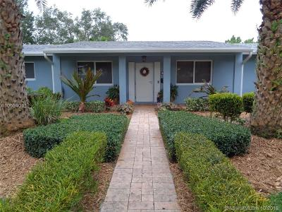 Palmetto Bay Single Family Home For Sale: 7920 SW 160th St